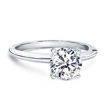 Classic Ring with Basked 4 Prongs Diamond Engagement Solitaire