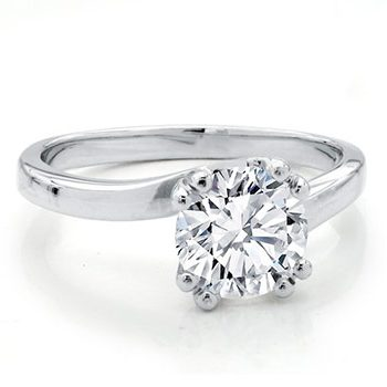 Twisted Diamond Engagement Ring with Central Diamond