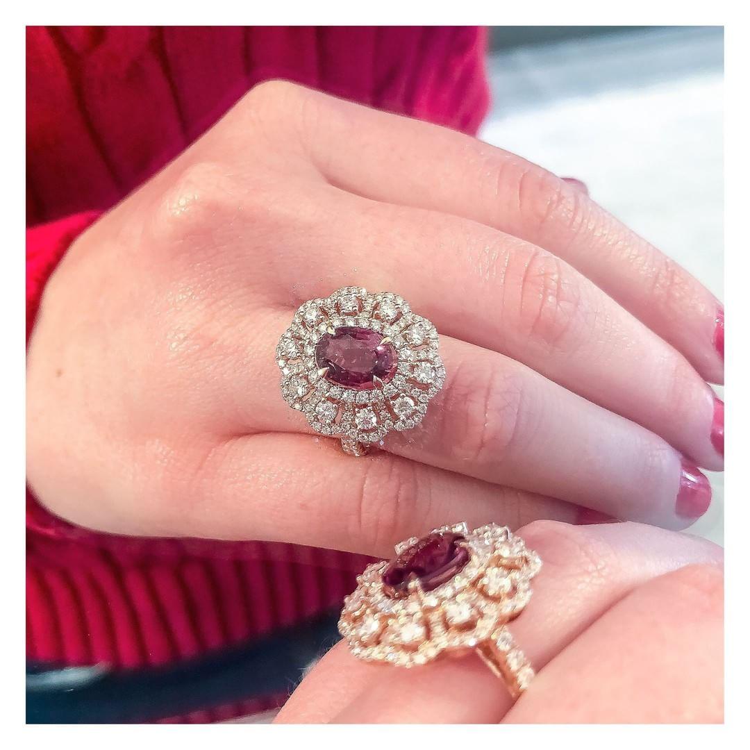 Hoeveel Moet Haar Perfecte Verlovingsring Kosten Juwelier