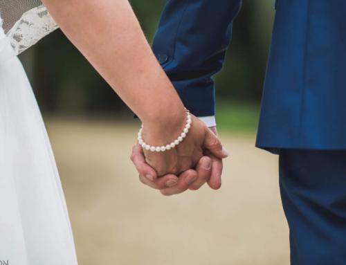 Verras haar met bruidsjuwelen