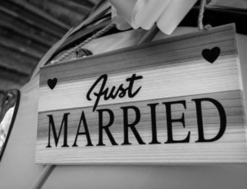De meest originele verstopplaats voor haar verlovingsring